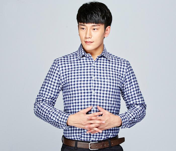 男士蓝色小方格衬衫_男士格子衬衫款式